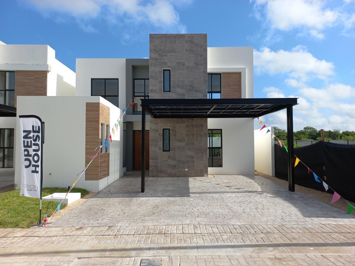 Foto Casa en Venta en  Pueblo Temozon Norte,  Mérida  Casa en PRIVADA SOLUNA
