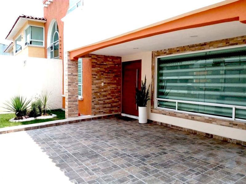 Foto Casa en Venta en  Casa Blanca,  Metepec  Venta de casa remodelada en casa blanca Metepec