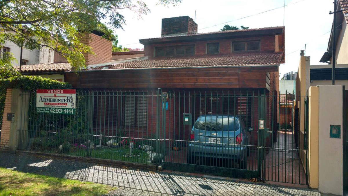 Foto Casa en Venta en  Adrogue,  Almirante Brown  Amenedo 255