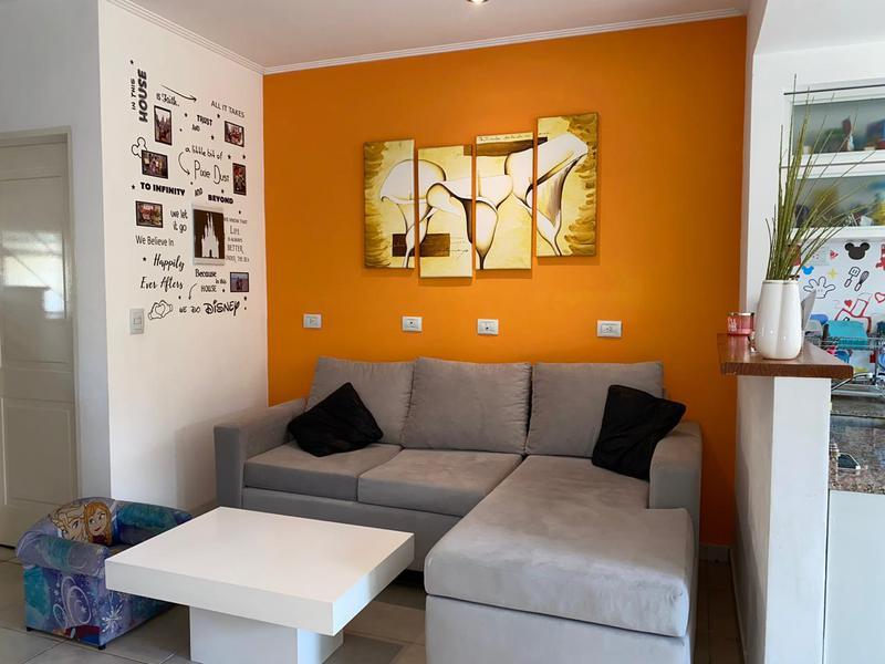 Foto Casa en Venta en  Countries/B.Cerrado (Monte Grande),  Monte Grande  Los Robles