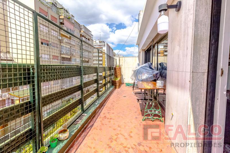 Foto Departamento en Venta en  Flores ,  Capital Federal  Granaderos y Rivadavia