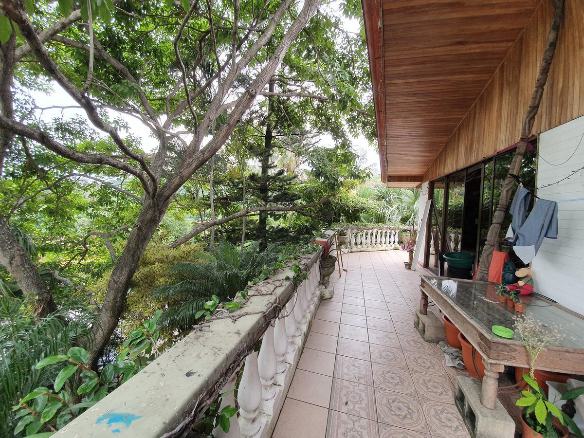 Foto Casa en condominio en Venta en  Santana,  Santa Ana  Vista panorámica / Piscina propia / Apartamento independiente