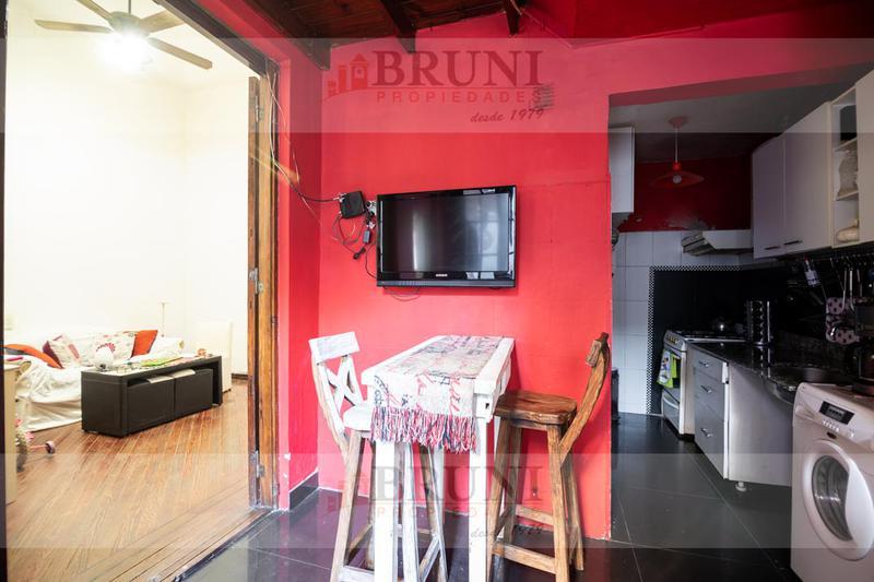 Foto Casa en Venta en  Flores Norte,  Flores  Artigas al 300