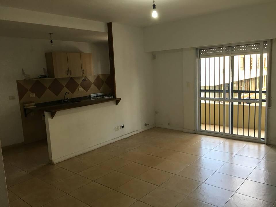 Foto Departamento en Venta | Alquiler en  S.Fer.-Vias/Centro,  San Fernando  Ayacucho al 1500