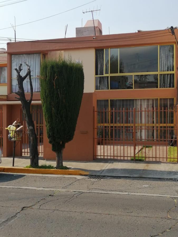 Foto Casa en Venta en  Naucalpan de Juárez ,  Edo. de México  Casa para remodelar!