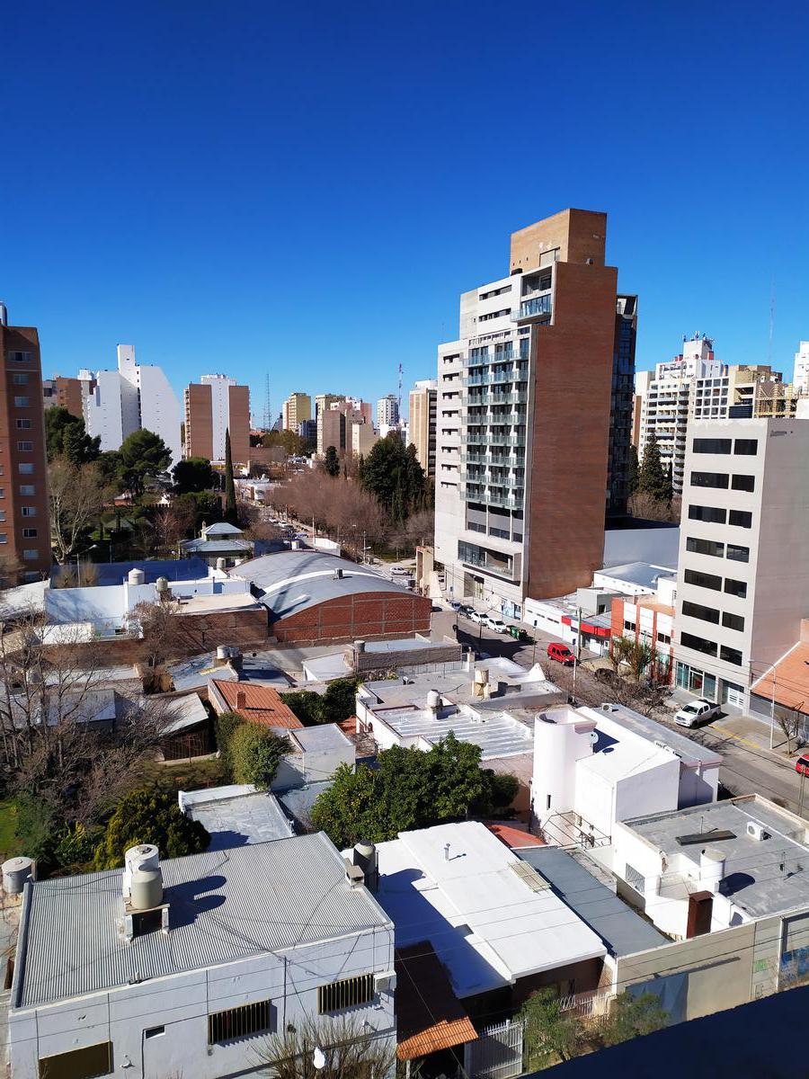 Foto Departamento en Venta en  Capital ,  Neuquen  Salta al 300