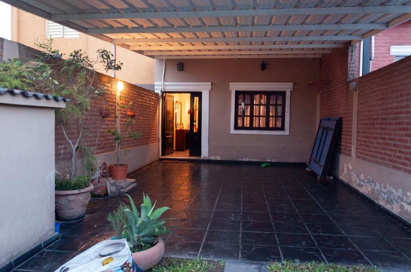 Foto Casa en Venta en  Yerba Buena ,  Tucumán  Berutti al 600