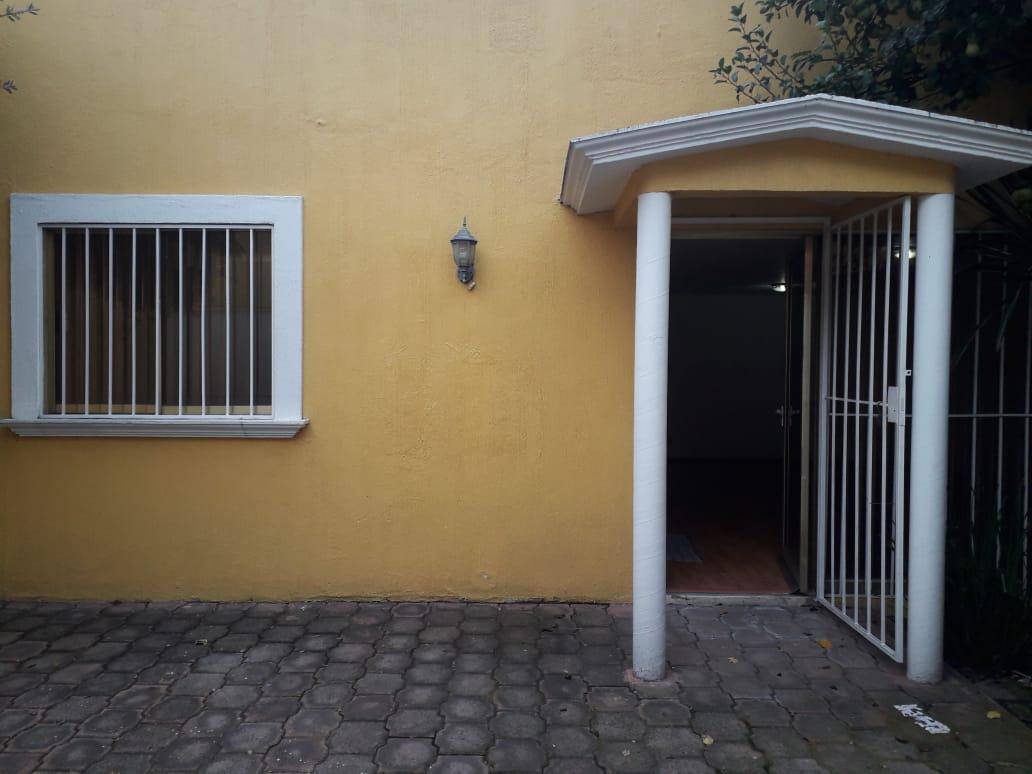Foto Casa en Renta en  Metepec ,  Edo. de México  CASA EN RENTA COL. PILARES