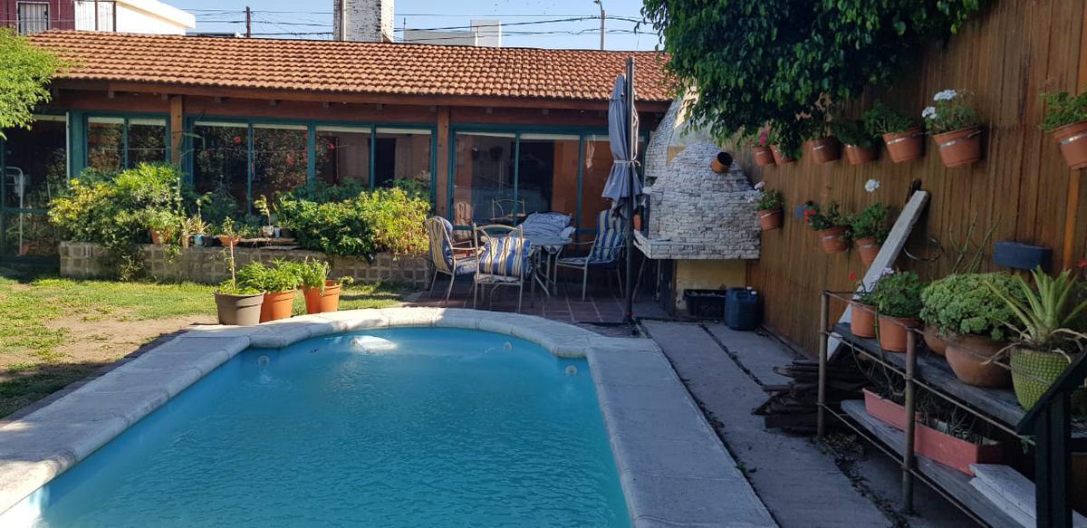 Foto Casa en Venta en  Jardin,  Cordoba  Justiniano Posse al 700