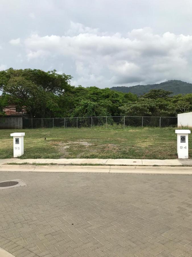 Foto Terreno en Venta en  Santa Ana ,  San José  Querés construir la casa ideal? Home  ofrece terreno en condominio