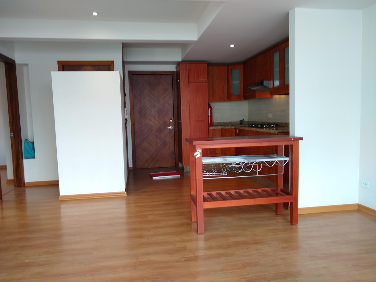 Foto Departamento en Alquiler en  La Mariscal,  Quito  Reina Victoria y La Pinta