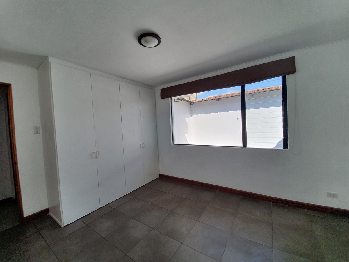Foto Casa en condominio en Venta | Renta en  Bello Horizonte,  Escazu  Townhouse / Bellohorizonte / Cuartos amplios/ Pet friendly
