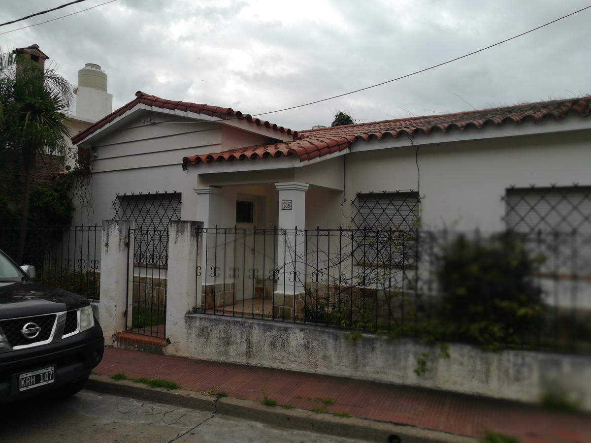 Foto Casa en Venta en  Salta,  Capital  Casa Zona Shopping