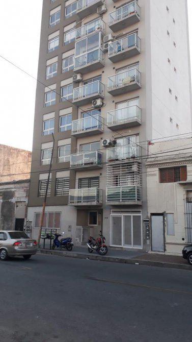 Foto Departamento en Alquiler en  Avellaneda ,  G.B.A. Zona Sur      España 243, Piso 1º, Depto, B