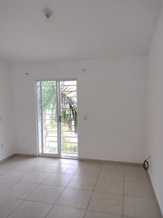 Foto Casa en Renta en  Residencial Anturios,  León  Casa amplia en Anturios Residencial