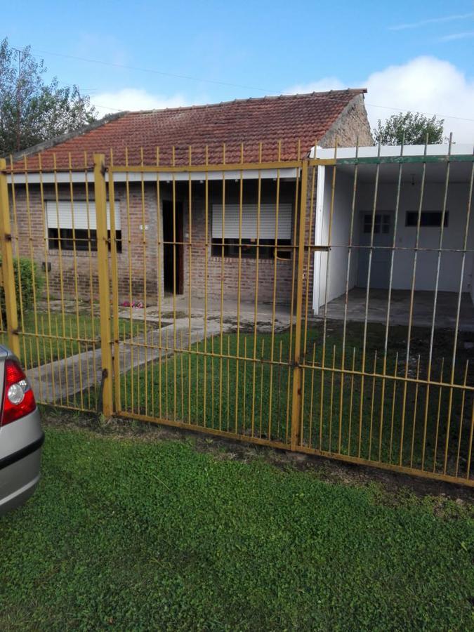 Foto Casa en Venta en  Los Hornos,  La Plata  60 bis y 153