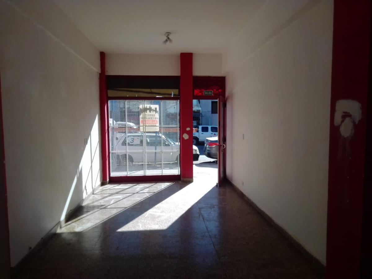 Foto Local en Alquiler en  Área Centro Sur,  Capital  ALCORTA al 400