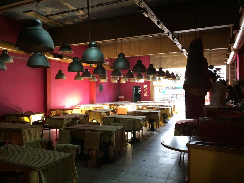 Foto Local en Alquiler en  Lomas de Zamora Oeste,  Lomas De Zamora  Hipolito Yrigoyen al 8200