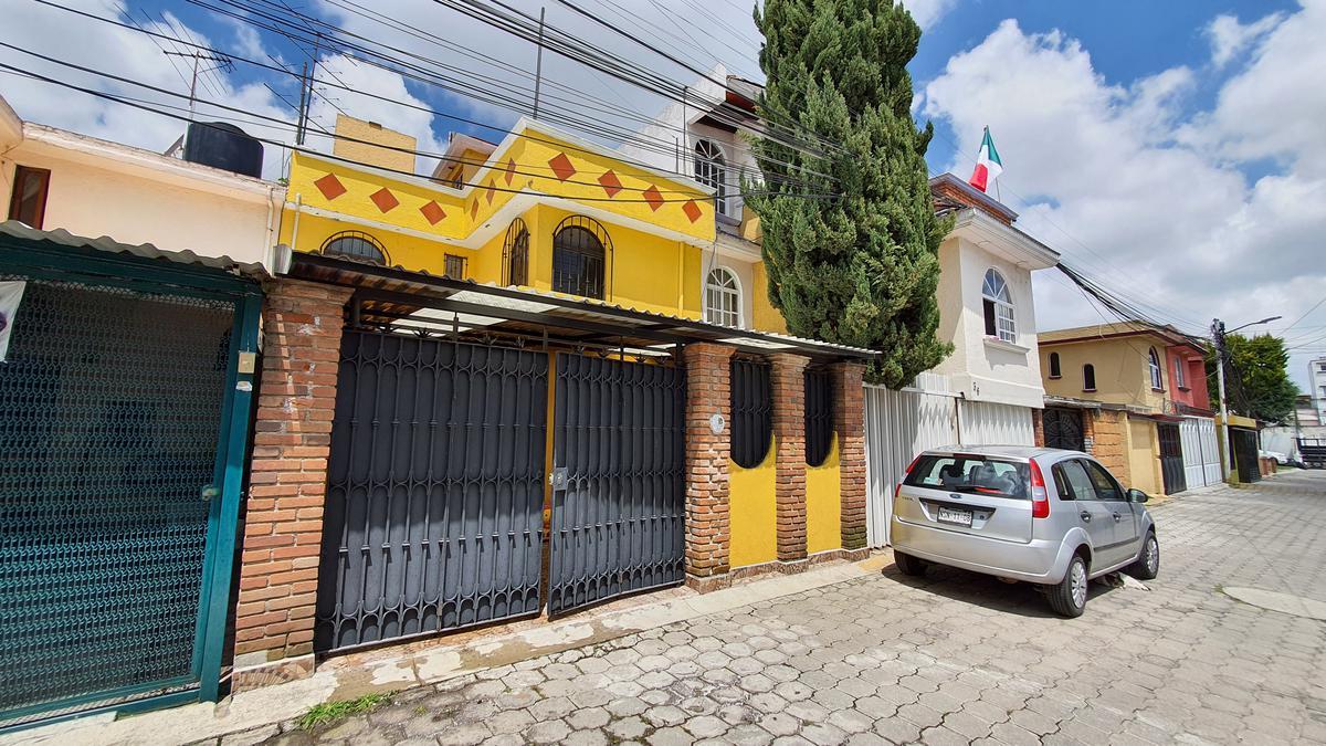 Foto Casa en condominio en Venta en  Metepec ,  Edo. de México  Casa en Venta 3 Recamaras en Priv. Ceboruco Metepec