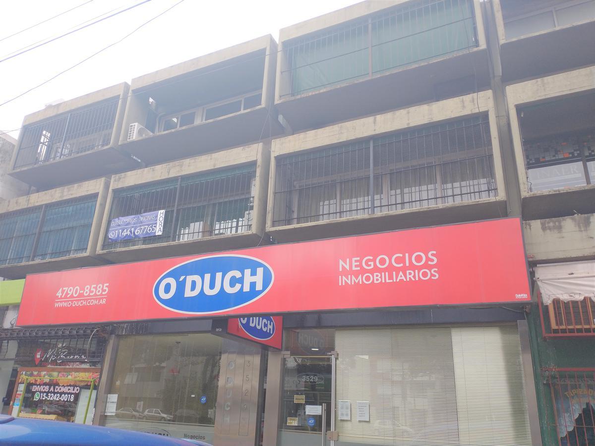 Foto Oficina en Alquiler en  Olivos,  Vicente López  Av. Maipú al 3500