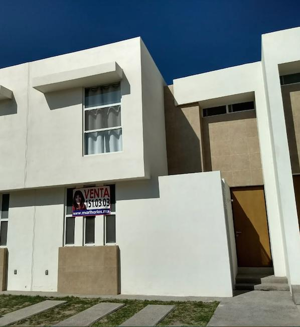Foto Casa en Venta en  San Luis Potosí ,  San luis Potosí      CASA EN VENTA EN PUERTA NATURA, SAN LUIS POTOSÍ