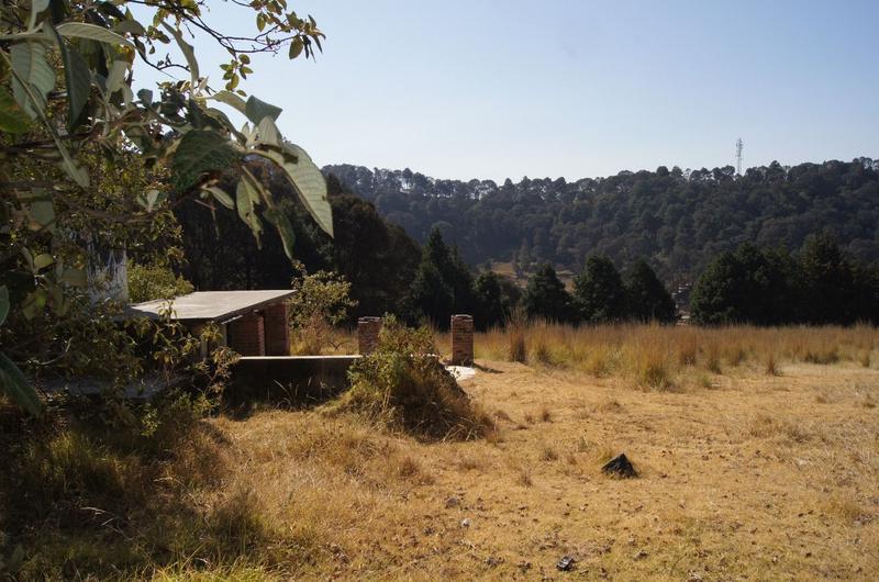 Foto Terreno en Venta en  San Miguel Ameyalco,  Lerma  Terreno Campestre Cerca Carretera Mexico Toluca y Los Encinos