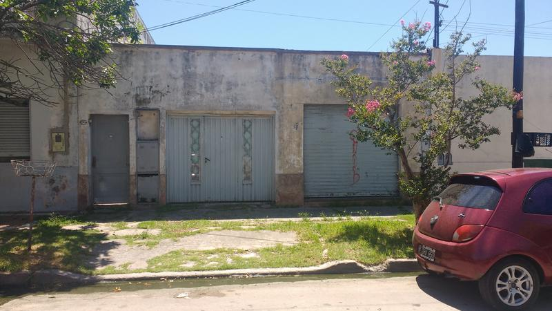 Foto Casa en Venta en  Valentin Alsina,  Lanus  Veracruz al 2500