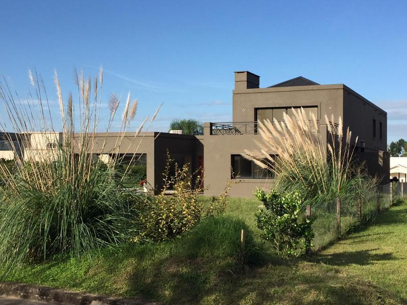 Foto Casa en Alquiler en  Yerba Buena ,  Tucumán  Country El Pilar