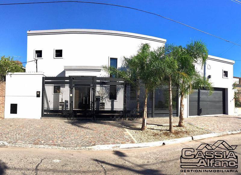Foto Casa en Venta |  en  Banfield Este,  Banfield  BELGRANO 920