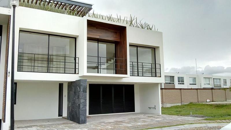 Foto Casa en condominio en Venta en  San Andrés Cholula ,  Puebla      CASA en venta- Parque Baja California Sur