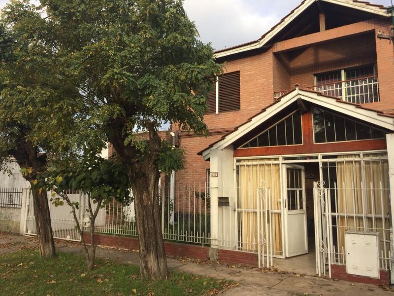 Foto Casa en Venta en  Burzaco,  Almirante Brown  La Querencia 1948