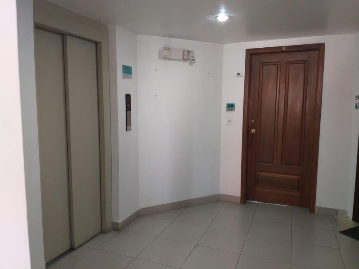 Foto Oficina en Venta en  Centro Norte,  Quito  10 DE AGOSTO Y MAÑOSCA