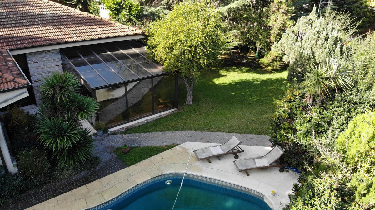 Foto Casa en Venta en  Acas.-Libert./Solis,  Acassuso  Rivera Indarte al 700