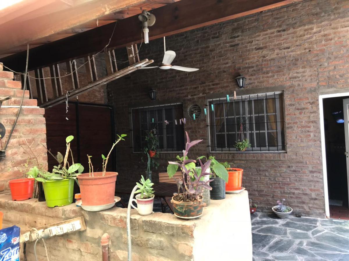 Foto Casa en Venta en  Jose Clemente Paz,  Jose Clemente Paz  wilde al 1800