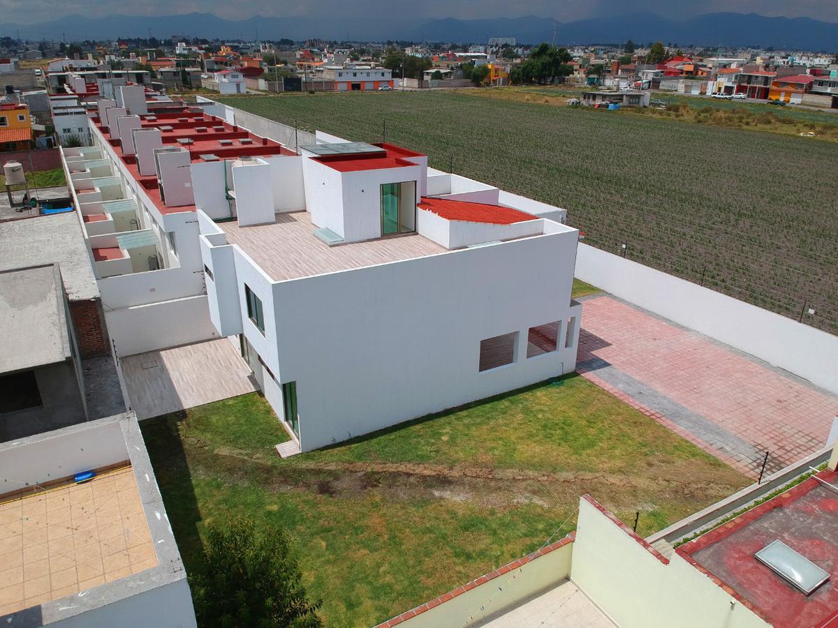 Foto Casa en Venta en  Lázaro Cárdenas,  Metepec  VENTA DE CASA EN METEPEC, MEXICO, ESTRENE CASA CON AMPLIO JARDIN EN CALLE CERRADA, SOBRE AV. 2 ABRIL