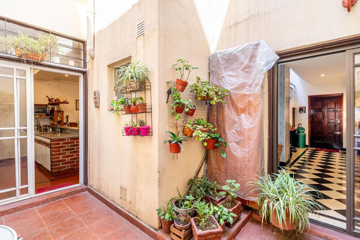 Foto Casa en Venta en  Barracas ,  Capital Federal  Santa Elena al 800