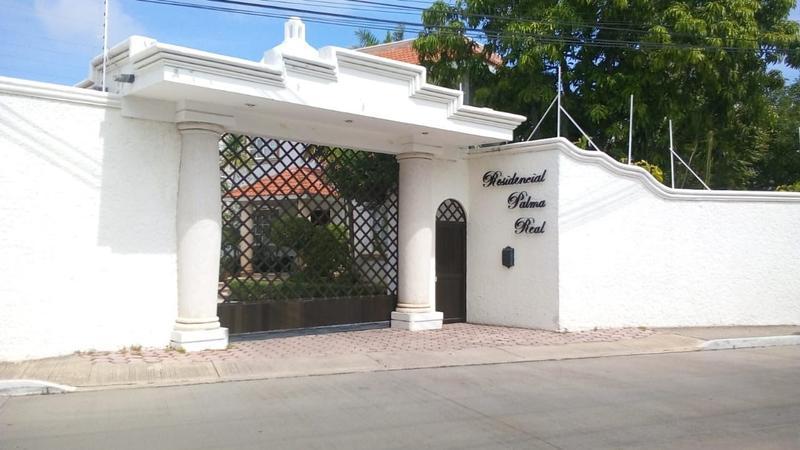 Foto Casa en Renta en  Fraccionamiento Playa Palmas,  Carmen  CASA EN RENTA AMUEBLADA - FRACCIONAMIENTO PRIVADO EN PALMA REAL