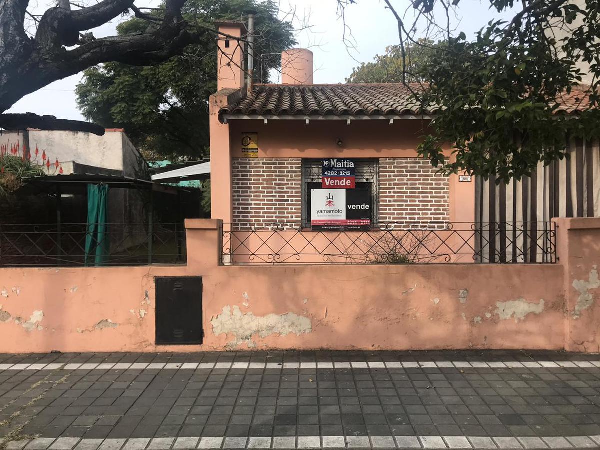 Foto Casa en Venta en  Lomas De Zamora,  Lomas De Zamora  Corrientes 206