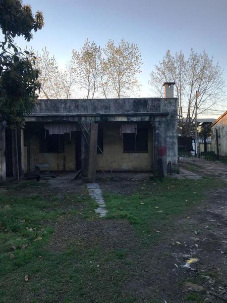 Foto Casa en Alquiler en  Moreno,  Moreno  Casa destino comercial - Victorica al al 500 - Moreno - lado norte