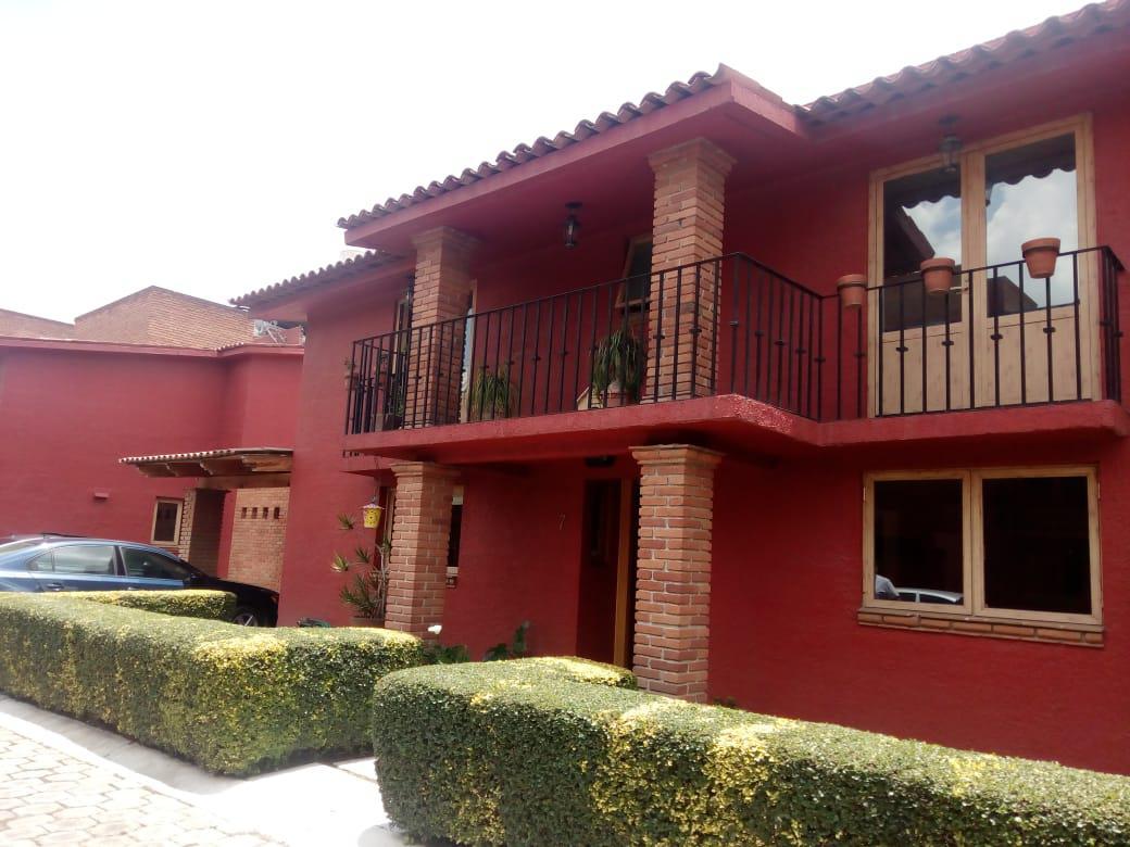Foto Casa en Venta en  La Parroquia,  Metepec  La Parroquia