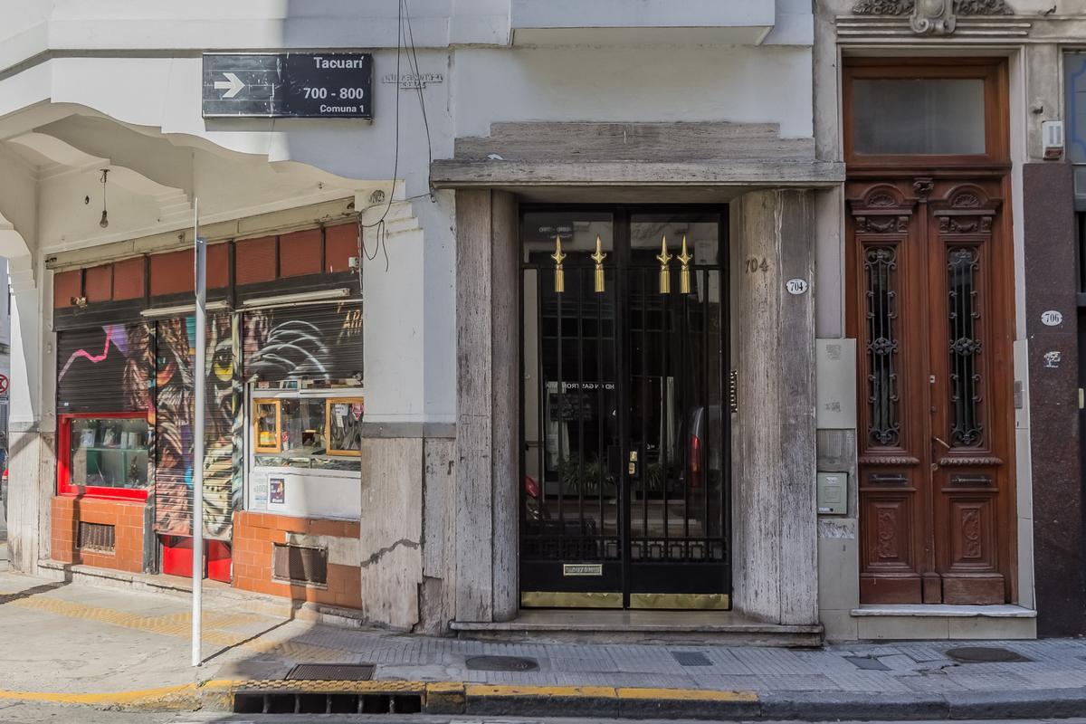 Foto Departamento en Venta en  San Telmo ,  Capital Federal  TACUARI 704