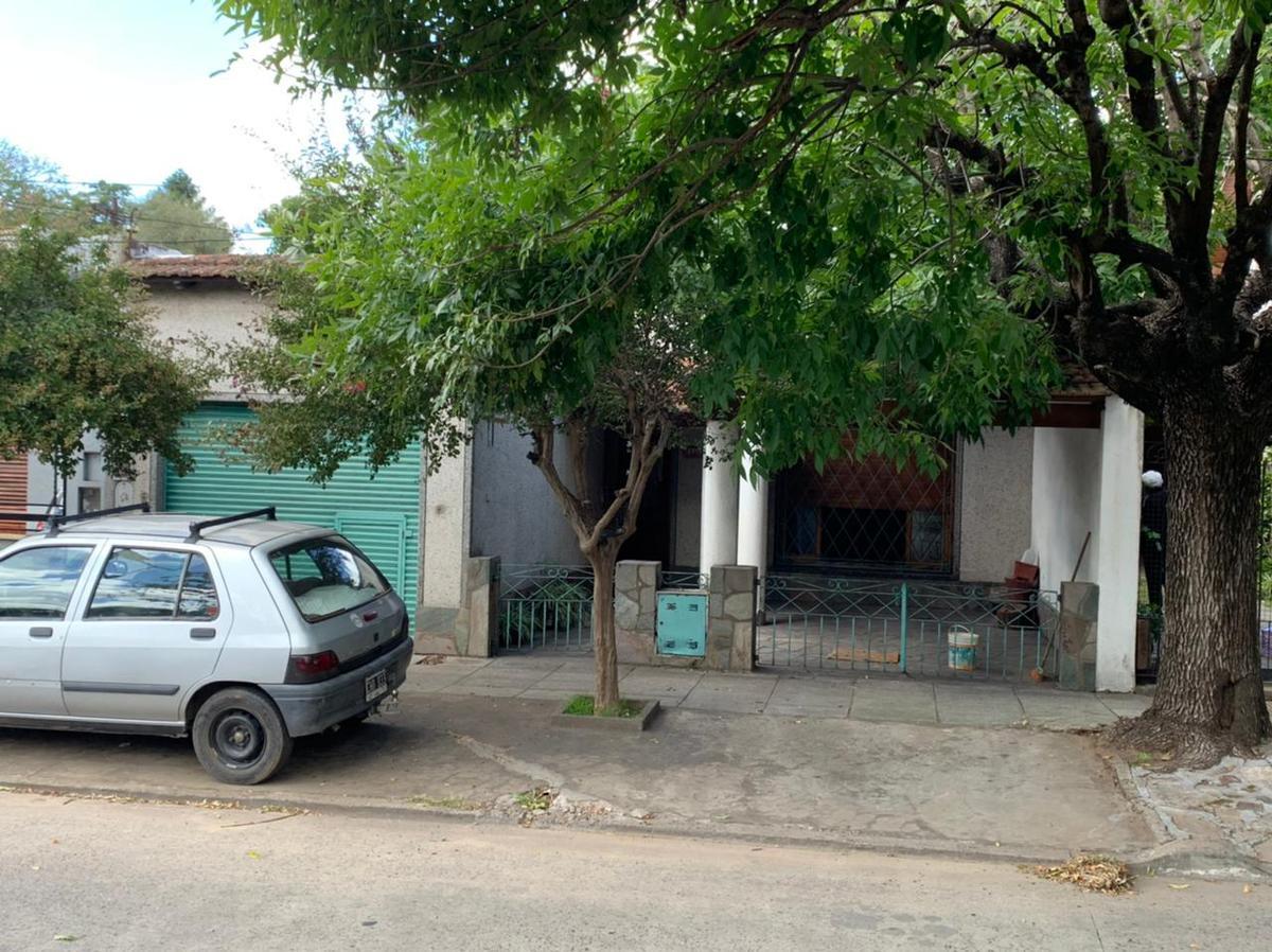 Foto Casa en Venta en  Bella Vista,  San Miguel  San Martin al 2000