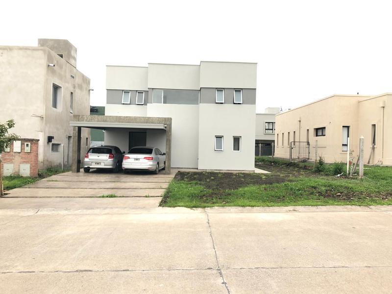 Foto Casa en Venta en  San Miguel De Tucumán,  Capital   ALTO VERDE 2