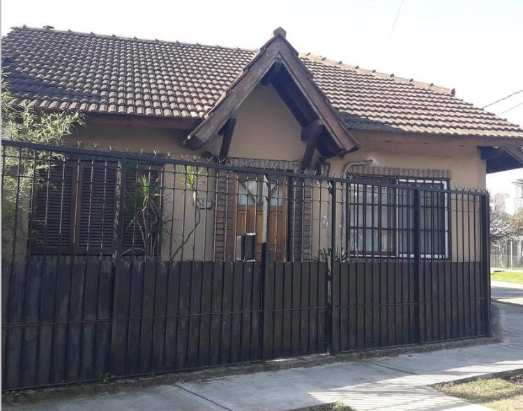 Foto Casa en Venta en  Ituzaingó Norte,  Ituzaingó  Trole al 700