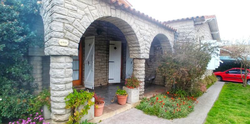 Foto Casa en Venta en  San Carlos,  Mar Del Plata  Corrientes al 4400