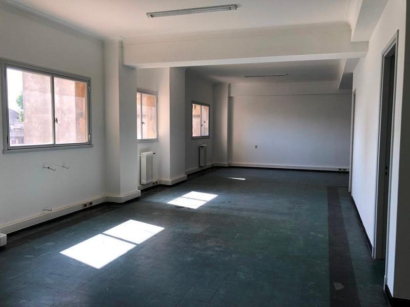 Foto Oficina en Venta en  Centro (Montevideo),  Montevideo  AVDA. LIBERTADOR Y CERRO LARGO