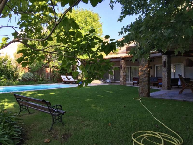 Foto Casa en Venta en  Santa Barbara,  Countries/B.Cerrado (Tigre)  Santa Barbara al 100