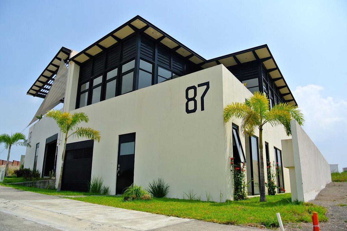Foto Casa en Renta en  Punta Tiburón,  Alvarado  PUNTA TIBURÓN, Casa en VENTA o RENTA con estudio y jacuzzi.
