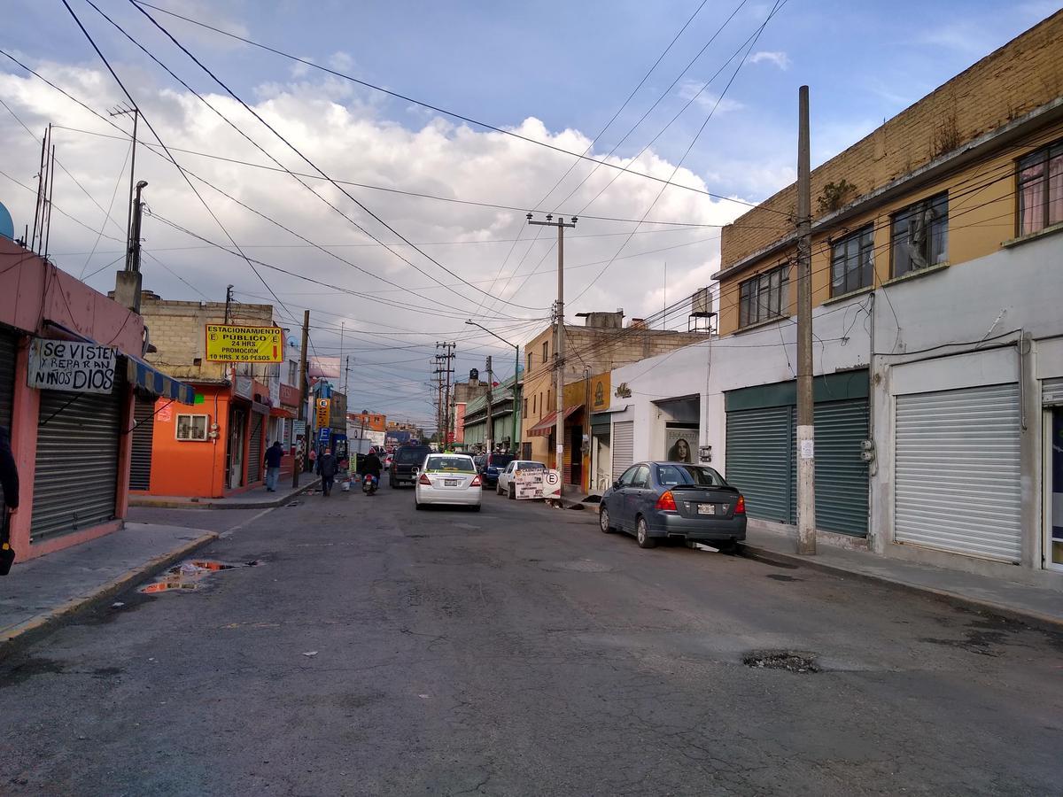 Foto Terreno en Venta en  Centro,  Toluca  Terreno con Locales en Venta Centro de Toluca cerca de Cosmovitral y Mercado 16 de Septiembre