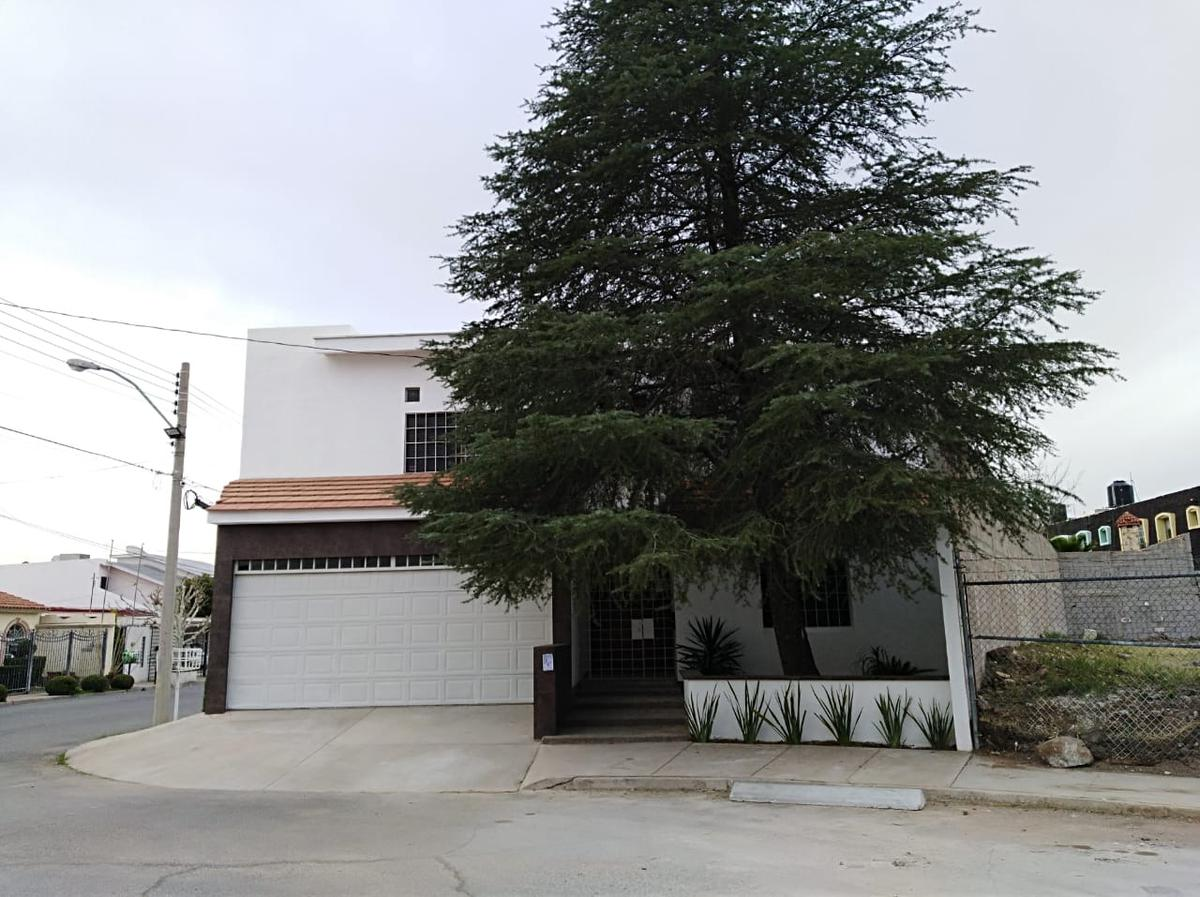 Foto Casa en Venta en  Chihuahua ,  Chihuahua  V ETAPA SAN FELIPE, EXCELENTE UBICACION. REMODELADA , TOTALMENTE EQUIPADA.